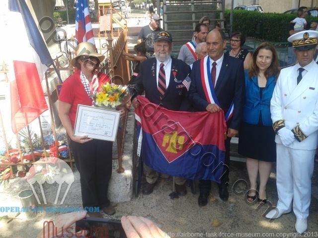 Bob lors de sa visite en France, ici à Barjols ou son unité à connu de dur combat pour la libération de la ville, 2014