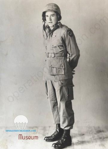 Bob WEBBER,  USA 1943. just after parachute graduation.