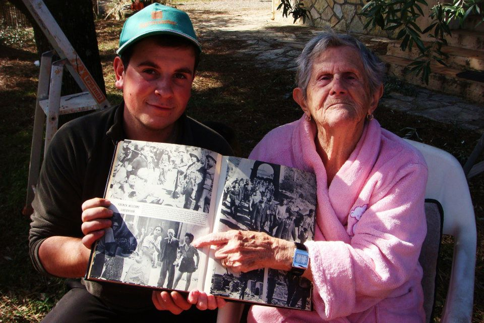 Adrien SOLDI, arrière petit fils et Rosette qui se reconnais sur la photo du livre de la 3em division d'Infanterie des USA en 2011,