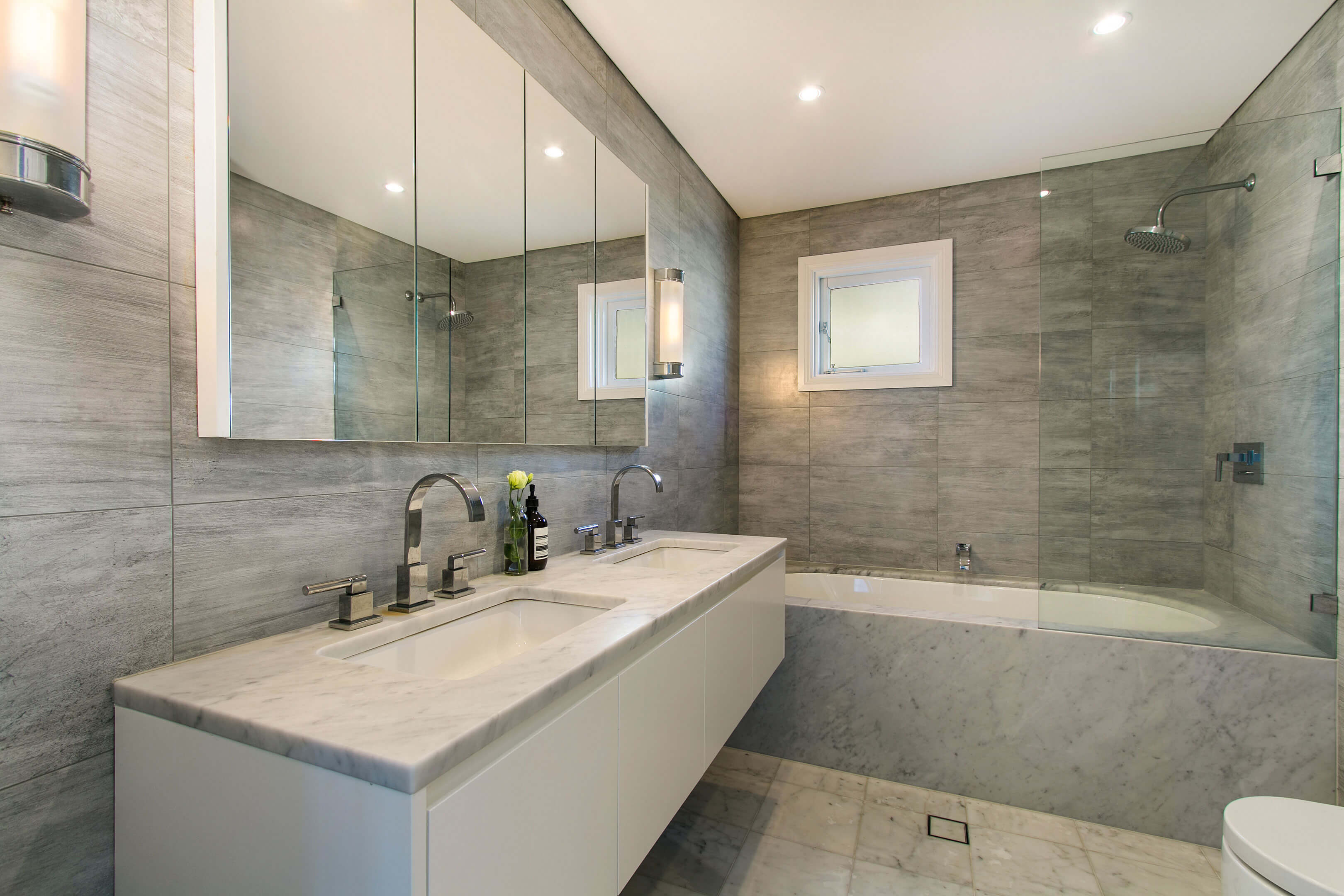 arbeitsplatten aus naturstein monreal rohrbach granit naturstein d sseldorf fassade. Black Bedroom Furniture Sets. Home Design Ideas