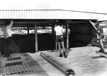 Montierung des Daches der Sternwarte