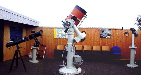 Der Außenbereich der Sternwarte