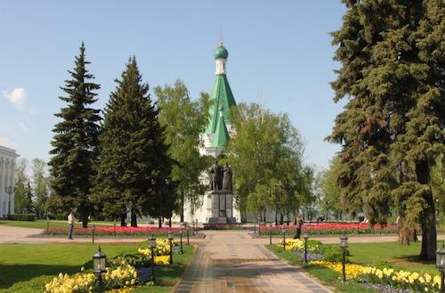 Mitten im Kreml steht die kleine Erzengel-Michael-Kathedrale.