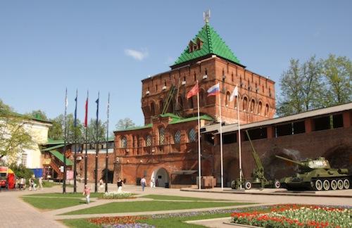 Der Dmitrijew-Turm des Kremls, das Wahrzeichen der Stadt.