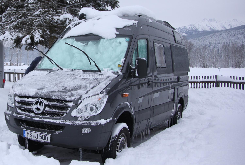 Erster Schnee auf Camping Grimmingsicht