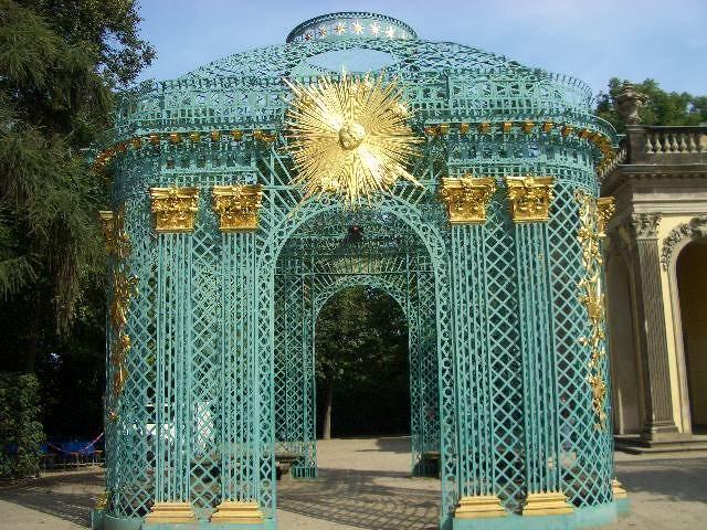 Gitterpavillon am Schloß Sanssouci