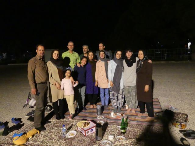 PERSEPOLIS - Wir lernen Niloofar kennen und feiern Geburtstag mit der Familie