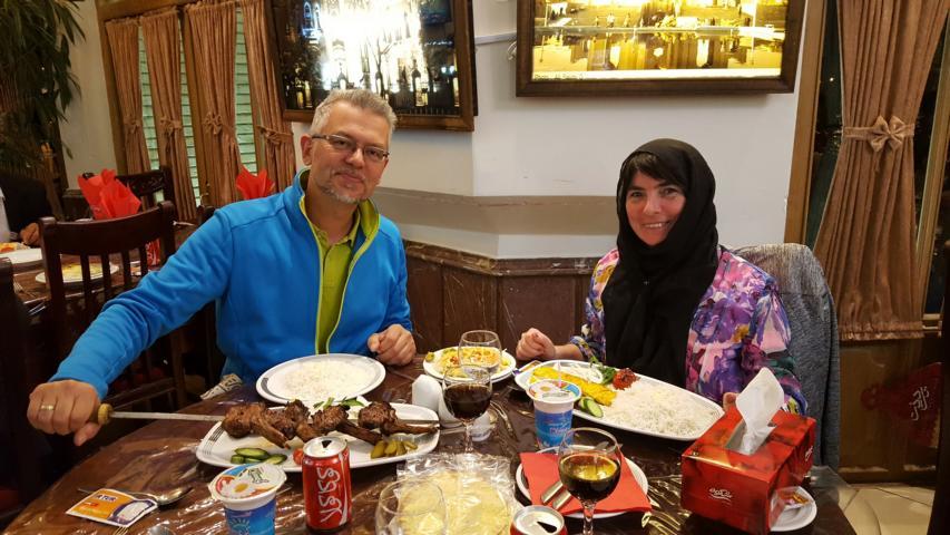 TABRIZ - El Goli - Abendessen im Restaurant am See
