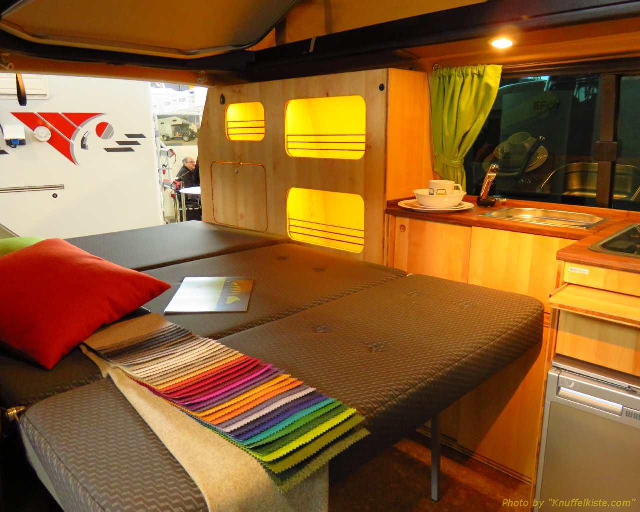 ...VW Campingbus mit Echtholz Ausstattung!