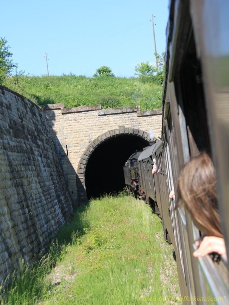 Ein Tunnel kommt in Sicht