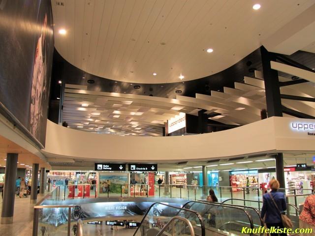 Innenbereich des Flughafengebäudes