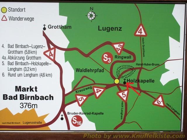 Wandertafel Richtung Holzkapelle