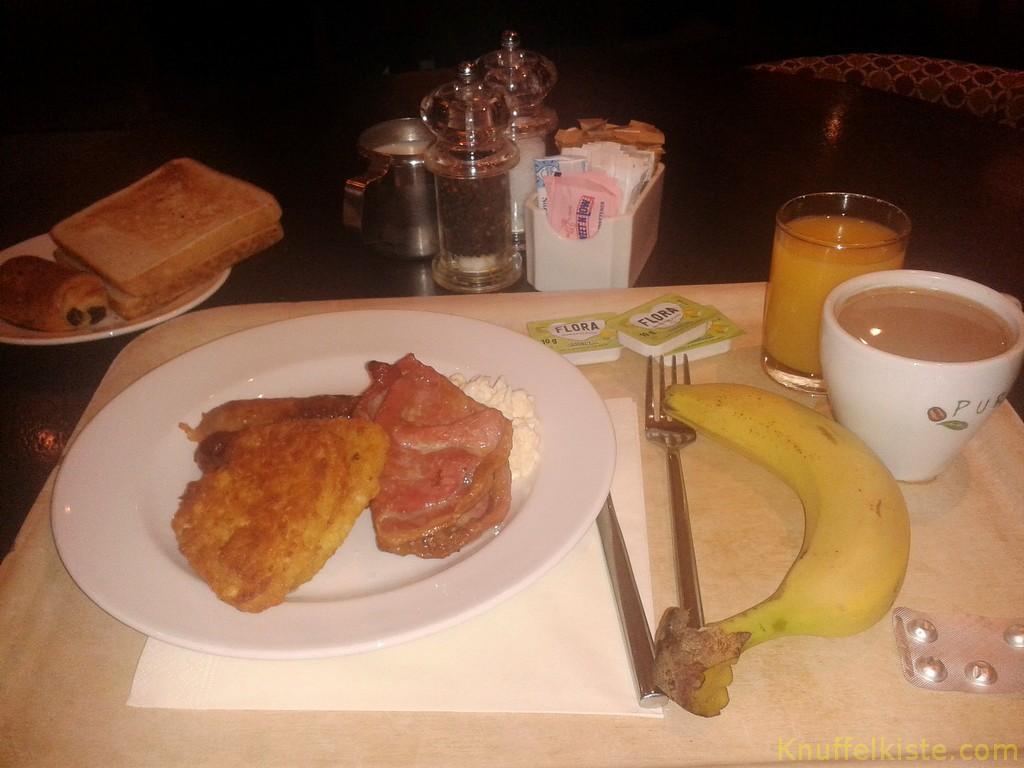Frühstück !