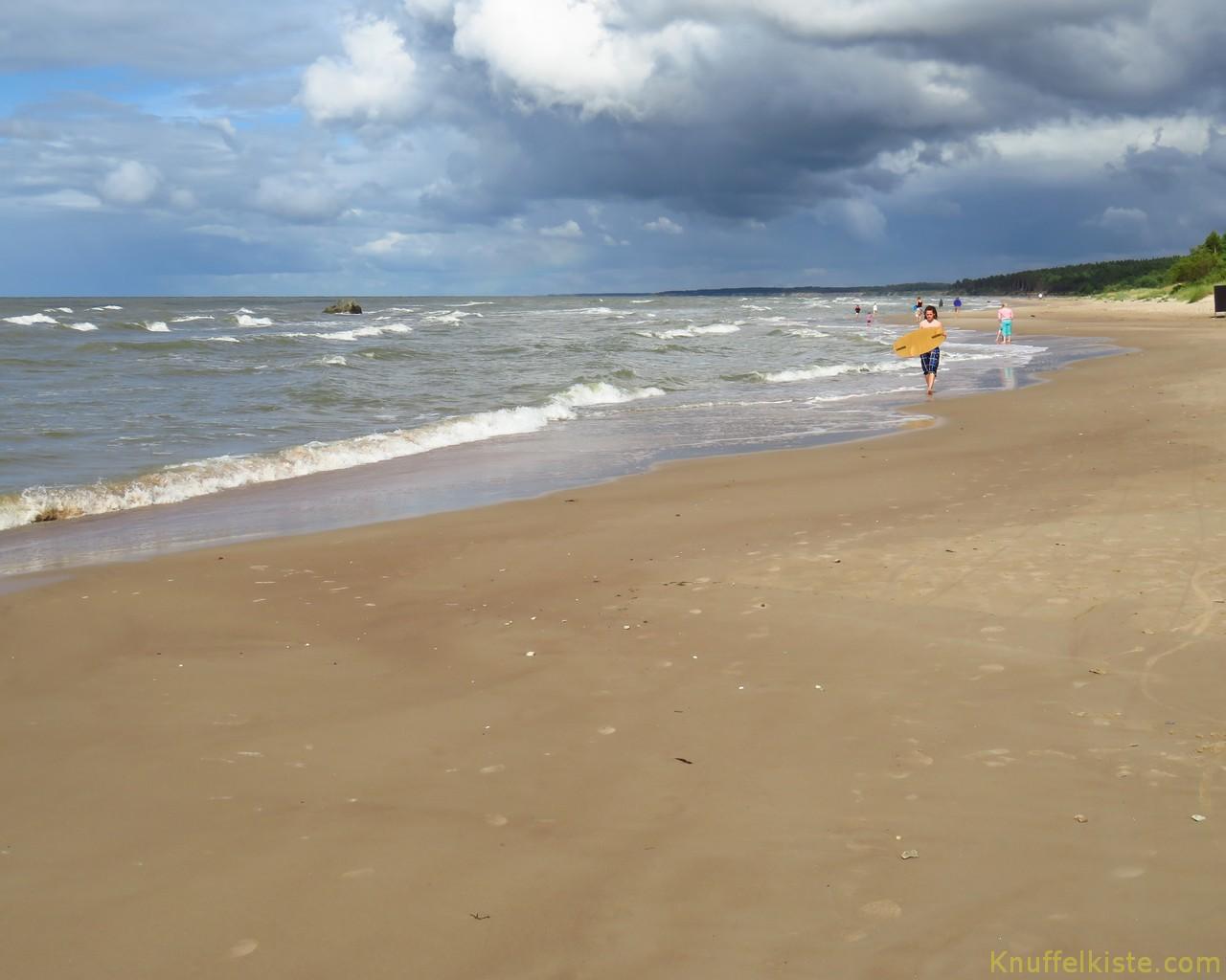 der Strand von Pavilosta