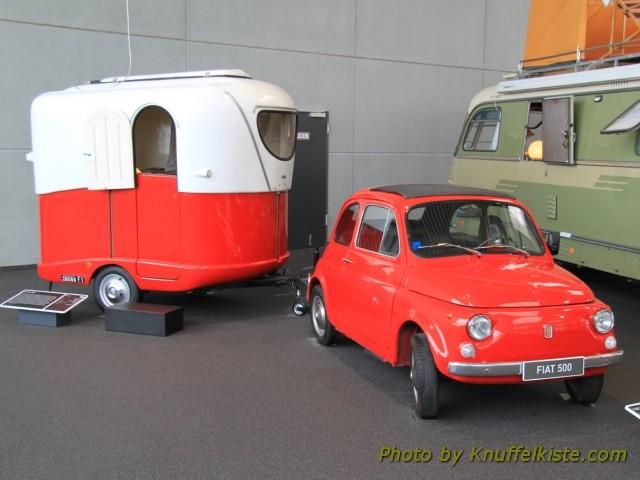 Fiat 500 mit Wohnanhänger