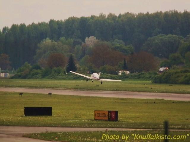abends alle 5 Min. ein Sportflieger zur Landung!