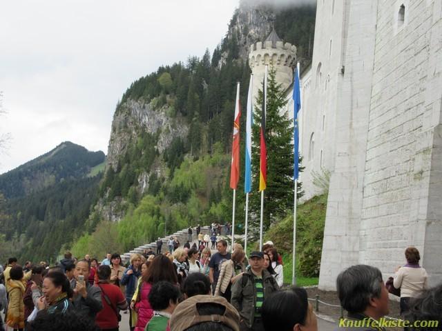 Aussen am Schloss Neuschwanstein