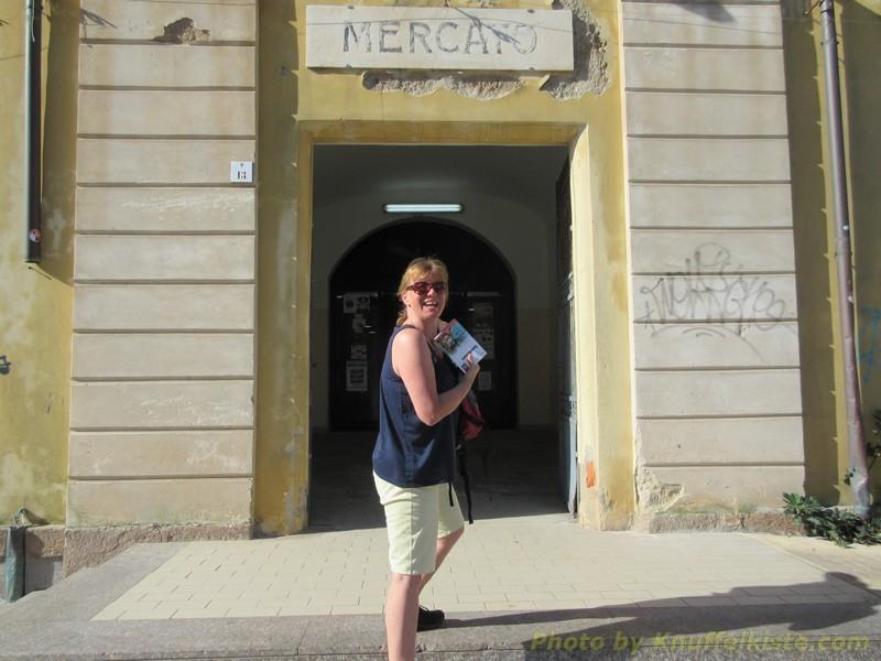 "Gabi am Eingang vom ""Mercato"""