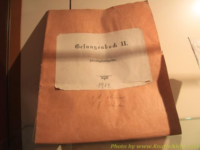 im Keller des Museums- Gefangenenbuch von 1914