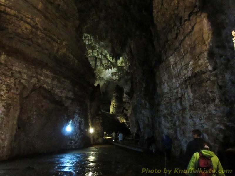 ...die grösste Halle der Höhle...
