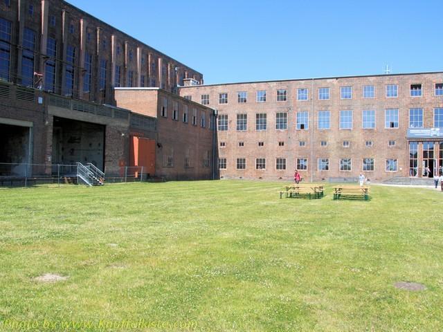 heute Gebäude der Ausstellungen...