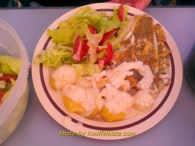 Unser heutiges Abendessen,lecker Fisch aus Skagen mit Kartoffeln und Salat