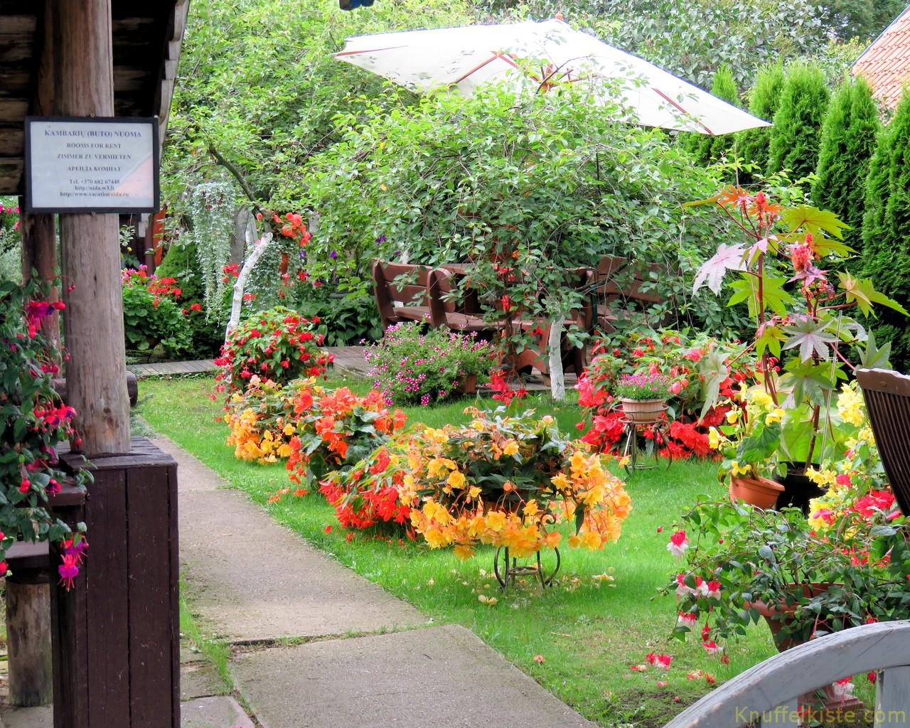 schöne Gärten in Nida