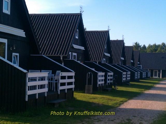 Ferienhäuser innerhalb des Campingplatzes