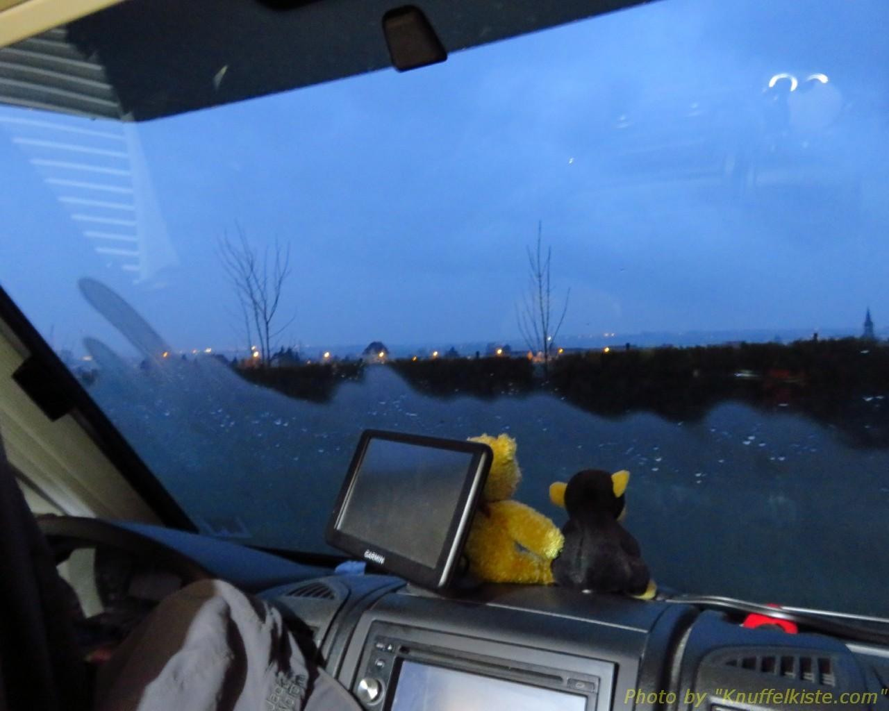 am Morgen im Kastenwagen...Nachttemperatur 3 Grad!