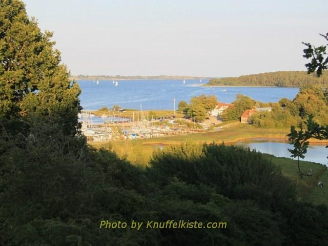 Der Fjord und ganz hinten das Meer