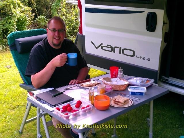 Frühstück am Womo