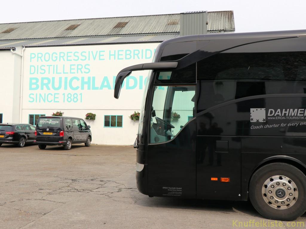 unser Reisebus bei Bruichladdich