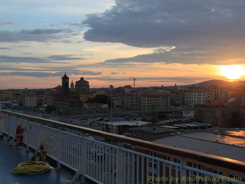 Sonnenaufgang über Livorno