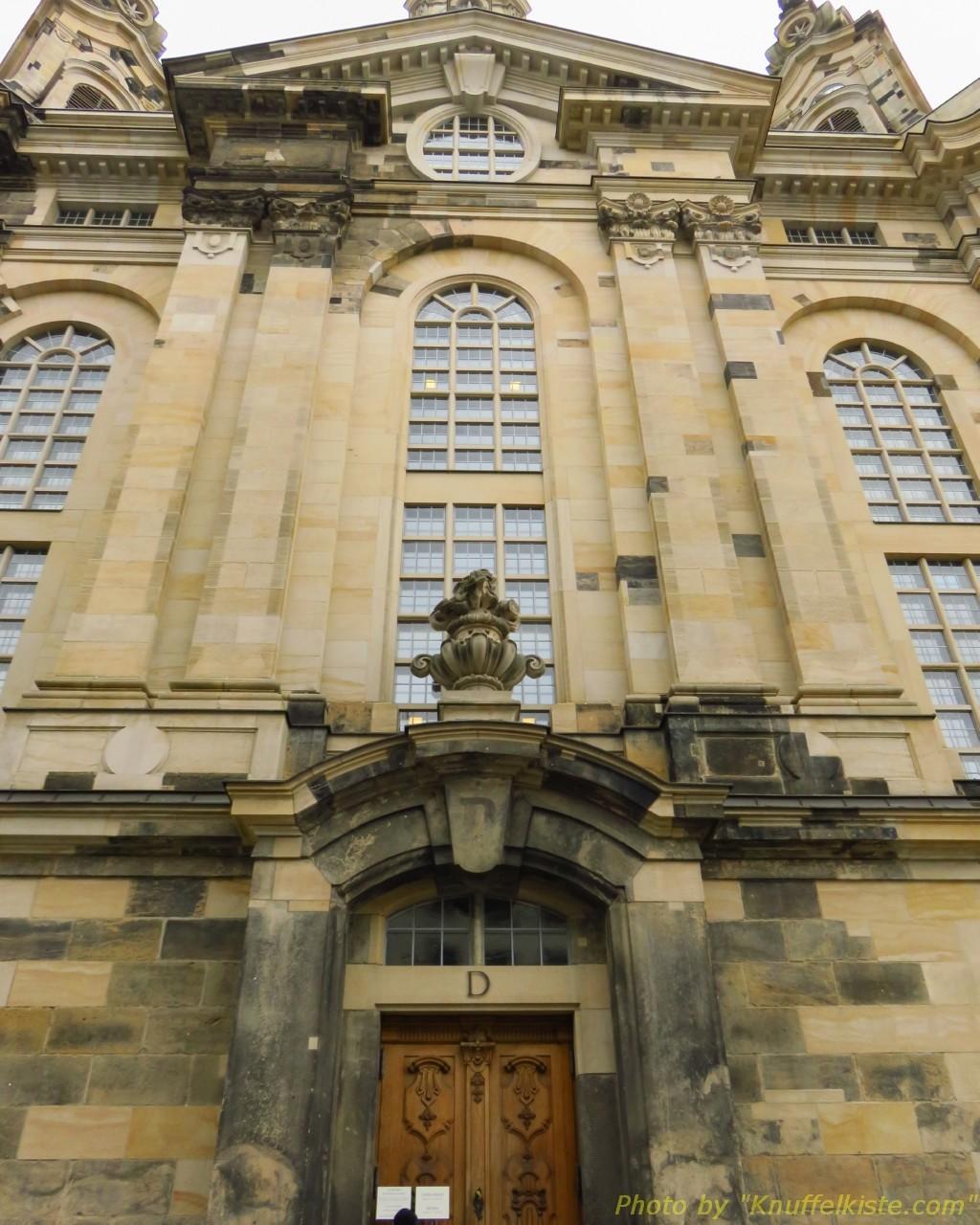 """Eingang """"D"""" der Frauenkirche"""