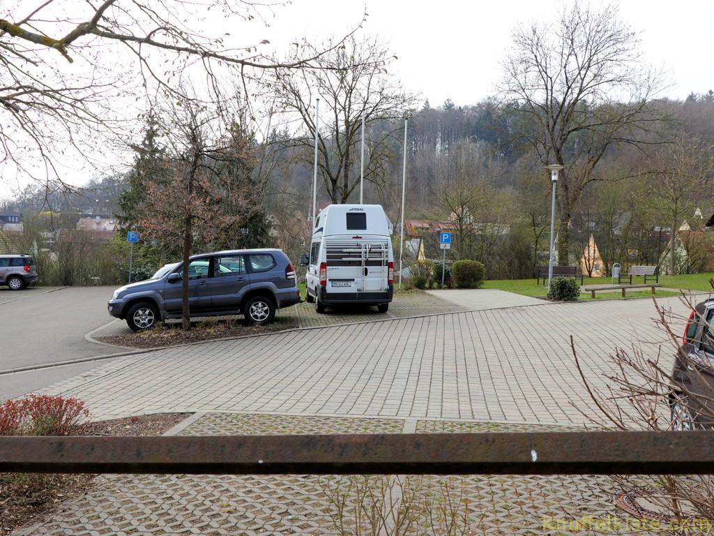 Parkplatz unterhalb der unteren Burg