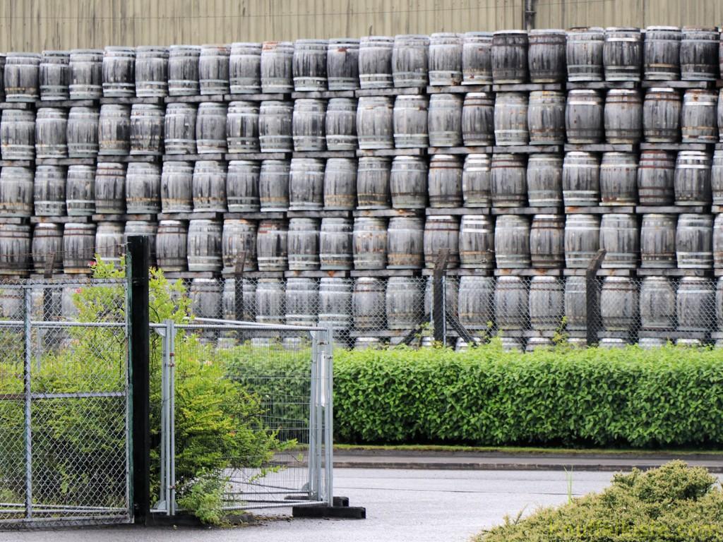 vorbei an der gleichnamigen Destillerie!