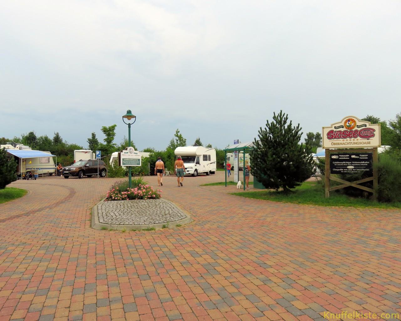 Eingang zum Womoplatz