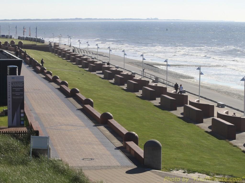 Ein Teil der langen Strandpromenade...