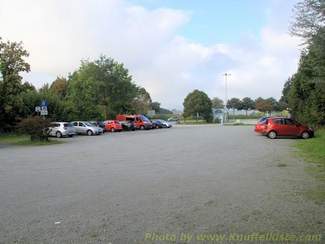 des grossen Parkplatzes.