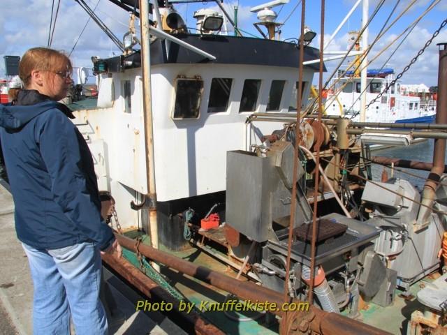 Ein Krabbenkutter am Hafen