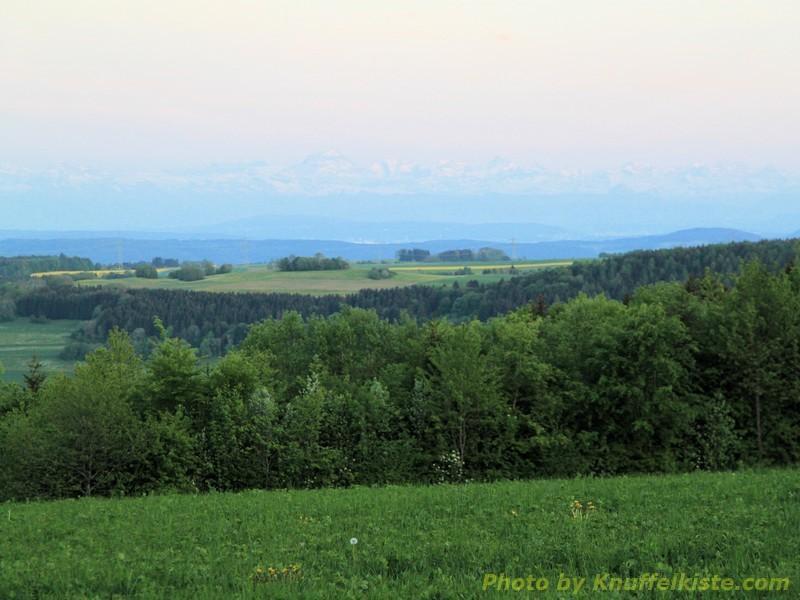 am Abend Blick von unserem Platz bis zu den Alpen !!!