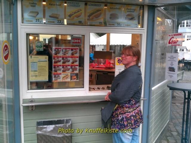 unser erster Dänischer Hotdog!!!