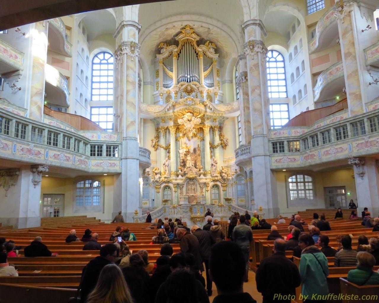 im Innern der Frauenkirche...