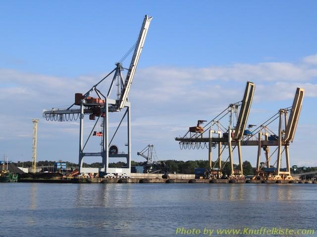 Verlädekräne im Hafen