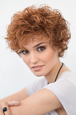 perruque-cheveux-synthétiques-courts-femme