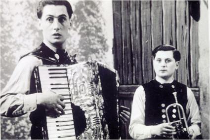 Michl Eberwein und Albert Bichlmeier, Musikantenkollegen und Freunde.