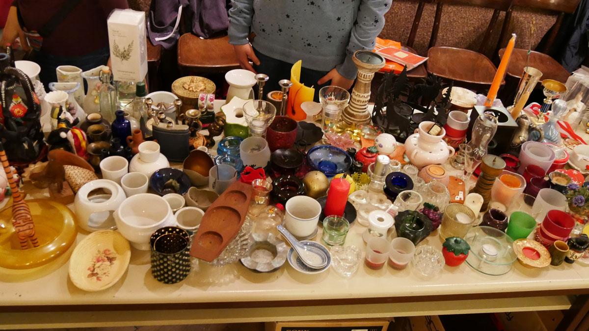 Kleine Vasen, Stövchen, diverse kleine Gefäße/Schalen, Kerzenhalter
