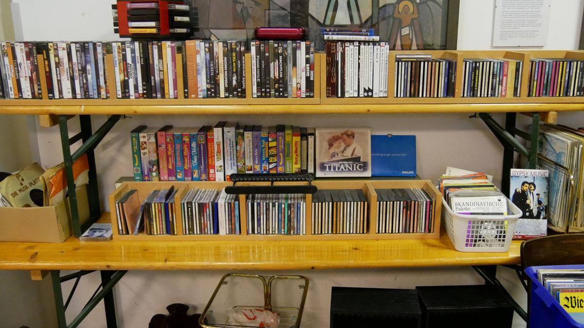 DVDs, Videokasetten, CDs und Schallplatten