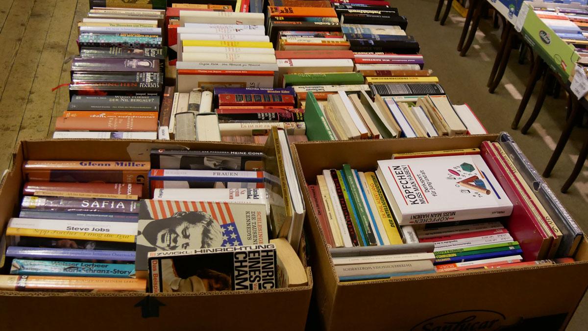 Bücher - Romane, Sachbücher