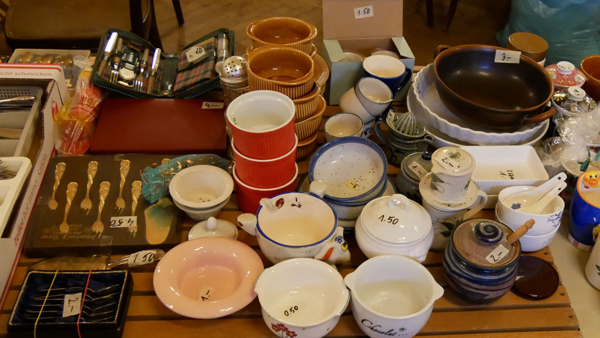 Suppenschalen, Keramikschüsseln, Bestecksets